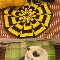 #judynatalehandmade #crochet #tapestrycrochet Tapestry Crochet, Blanket, Pattern, Handmade, Xmas, Hand Made, Patterns, Blankets, Cover