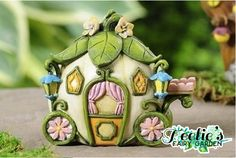 FAIRYTALE CARRIAGE www.teeliesfairygarden.com Transport your royal fairies in style with this lovely fairytale carriage. #fairycarriage