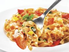 Fettucinis, sauce marinara au homard sur Wikibouffe