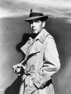 Humphrey Bogart in a fedora and trench coat - The Art of Manliness Trench Coat Homme, Humphrey Bogart Casablanca, Casablanca 1942, Classic Hollywood, Old Hollywood, Hollywood Style, 1940s Mens Fashion, 1940's Fashion, Victorian Fashion