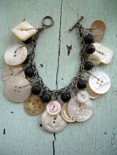 ❥ Mother Of Pearl Button Bracelet