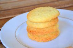 Bolachas de Coco e Baunilha (Coconut and Vanilla Cookies)