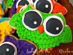 ~LadyWithTheRedRocker~ Owl Sugar Cookies made with vanilla almond cookie dough. Oh so good!!! #sugarcookierecipe