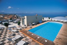 Radisson Blu #hotel #Biarritz offers guests a place of fragrant calm overlooking the beautiful ocean. See more images on: http://www.radissonblu.com/hotel-biarritz/
