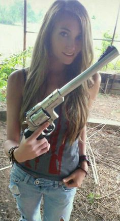 Girls with Guns ❤💛💖💗💟💙💚💜