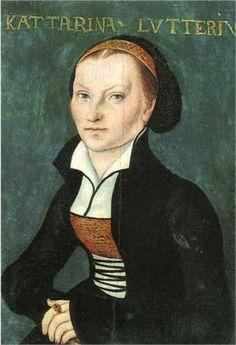 A la mort de Luther en 1546, Katharina se trouve dans une situation précaire. La guerre de la Ligue de Smalkalde, puis une épidémie de peste l'éloignent de Wittenberg. Aux portes de la ville de Torgau, ses chevaux s'affolent, elle tombe de voiture. Blessée et le bassin brisé, elle décède quelques mois après, en 1552, à l'âge de 53 ans