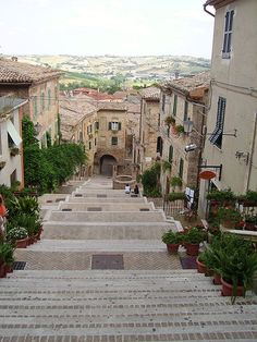 One of Marche's famous hilltop towns. Italian Beauty, Italian Life, Ancona Italy, Italy Travel Tips, Regions Of Italy, Visit Italy, Adventure Is Out There, Beautiful World, Places To See