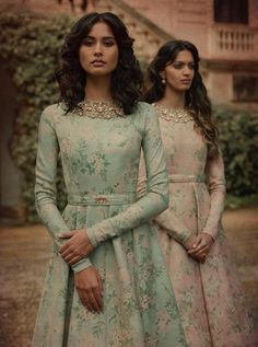 Always wondered what that gorgeous Sabyasachi Lehenga cost? Well, I have the answer to that million dollar question. Check out New Sabyasachi Lehenga Prices right here. Indian Gowns, Indian Attire, Indian Outfits, Indian Wear, Sabyasachi Dresses, Anarkali Dress, Printed Gowns, Floral Gown, Indian Couture