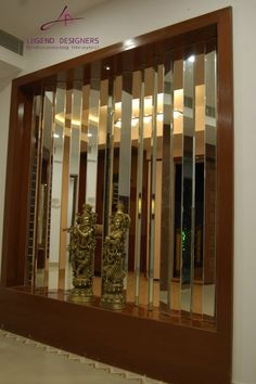 Here you will find photos of interior design ideas. Get inspired! Glass Partition Designs, Feature Wall Design, Living Room Partition Design, Partition Ideas, Home Entrance Decor, Entryway Decor, Home Room Design, Living Room Designs, Balcony Glass Design
