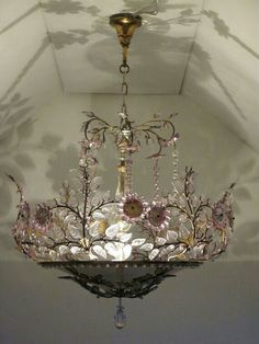 Chandelier=love the way it reflects on the ceiling