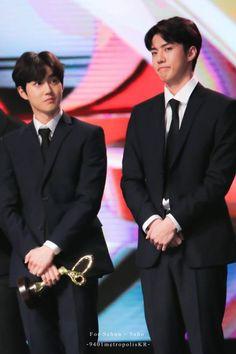 Suho, Sehun - 171103 2017 Korean Pop Culture and Arts Awards  Credit: 9401metropolis. (2017 대한민국 대중문화예술상 시상식)