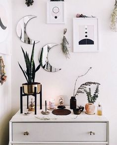 Does anyone else love looking at other people's altar pics? I'm loving this minimalist altar setup. One of the things on my list is to upgrade my own little altar in my city apartment. 🌙 This pic from. Apartment Decorating Themes, Apartment Design, Apartment Ideas, Decorating Websites, Interior Design Colleges, Home Interior Design, First Apartment, My New Room, Interior Inspiration