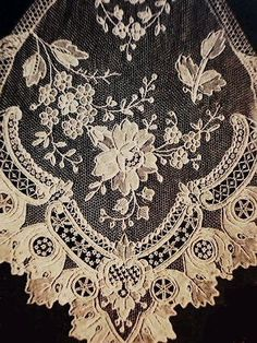 アンティークレッスン Vol.1【レース】 - イギリスとフランスのアンティーク | バラと天使のアンティーク | Eglantyne(エグランティーヌ)