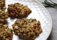 Tijdens mijn never ending zoektocht naar gezonde tussendoortjes, bedacht ik dit recept. Gezonde, hartige koekjes, waar je er gerust twee of drie van mag nemen als je in de namiddag even inkakt.