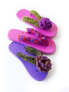 b5311fb26 Posy Ruffle Flip Flops - Another cool way to embelish regular old flip flops!  Crochet