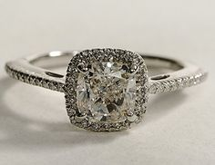 love love love engagement rings with a cusion cut halo