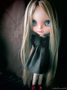 Blythe Doll Outfit / Dress / 1/6 doll size/ black lace brown linen