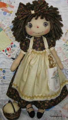 charmingsbycmh: Gingham Apron Annie charmingsbycmh: Delantal a cuadros An. Fabric Dolls, Paper Dolls, Zombie Dolls, Homemade Dolls, Raggedy Ann And Andy, Halloween Doll, Sewing Dolls, Waldorf Dolls, Soft Dolls
