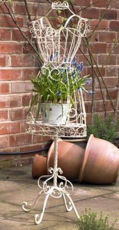 Freestanding mannequin planter