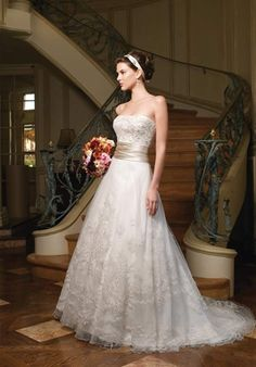 looks like it would be flowy and fluttery when you walk down the aisle