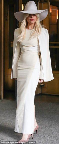 Resultado de imagen de lady gaga white