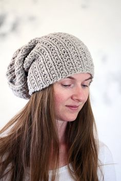 Brome Fields Slouchy Hat Knitting Pattern - Beginner Skill Level - US 11 Needles - Bulky Yarn - Hour Knit Time - One Size Fits Most Loom Knitting, Hand Knitting, Knit Purl Stitches, Knit Crochet, Crochet Hats, Lion Brand Wool Ease, Chunky Wool, Knit In The Round, Winter Hats For Women