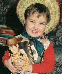 Liam Payne (One Direction) Celebra su 23 Cumpleaños Harry Styles Mum, Harry Edward Styles, Liam Payne, Fetus One Direction, One Direction Pictures, Niall Horan, Louis Tomlinson, Small Celebrities, Throwback Pictures