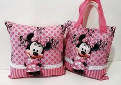 #almofada #bolsinha  #ecobag  #kit #brindesparafestainfantil  #minnie #Minnie - Tem como não  pirar com um kit desse da Minnie?
