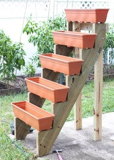 Jardim Vertical – DIY * Decoration and Invention *: Vertical Garden – DIY Diy Garden, Garden Projects, Garden Landscaping, Garden Farm, Diy Projects, Shade Garden, Garden Web, Landscaping Ideas, Garden Ideas Diy