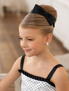 Kids hairstyles for wedding, hair dos for wedding, cute little girl hai Hair Dos For Wedding, Kids Hairstyles For Wedding, Cute Little Girl Hairstyles, Flower Girl Hairstyles, Elegant Hairstyles, Cute Hairstyles, Communion Hairstyles, Pageant Hair, Bridesmaid Hair