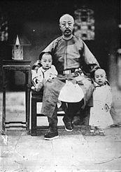 Yixuan (Prince Chun) with his sons Zaixun and Zaifeng