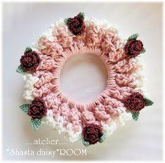 太コットン糸(綿100%)で編み上げたボリューミーなクロッシェシュシュです。ざっくりとした質感で存在感あり☆レーシークロッシェコットンレース糸で編んだ、可愛い...|ハンドメイド、手作り、手仕事品の通販・販売・購入ならCreema。