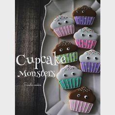 カップケーキモンスター現る #カップケーキ#モンスター#ハロウィン#千葉#アイシングクッキー #アイシングクッキー教室 #スイーツ#おやつ#cake #cookie #cookies #cupcakes #halloween #sugar #sweets #sugarcookies #monster
