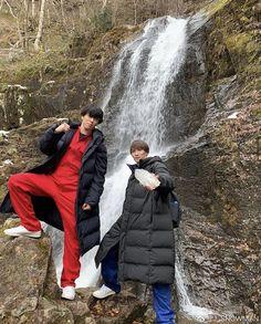Canada Goose Jackets, Snowman, Winter Jackets, Guys, Celebrities, Fashion, Winter Coats, Moda, Celebs