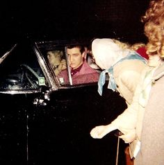 In january or february 1958 in Memphis. Elvis was wearing for the last time his pink jacket.