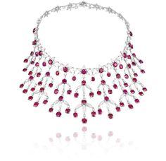 Collar de oro blanco de 18 quilates engastado con 85,14 quilates de rubíes, 15,37 quilates de diamantes talla marquise y 22,75 quilates de rubíes ovalados.