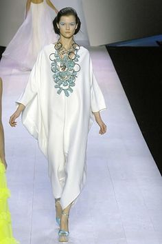 Giambattista Valli Spring 2008 Ready-to-Wear Collection Photos - Vogue