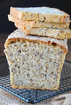 Chleb pszenno - zytni na zakwasie z ziarnami1 Bread Bun, Pan Bread, Good Food, Yummy Food, Bread Recipes, Food To Make, Food And Drink, Dishes, Baking