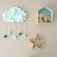 Pin de elham taheri em diy and crafts diy room décor, diy home décor e Pom Pom Crafts, Yarn Crafts, Diy And Crafts, Arts And Crafts, Baby Room Decor, Nursery Decor, Diy For Kids, Crafts For Kids, Diy Y Manualidades