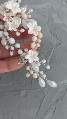 Bridal floral headband with pale peach flowers, Flower hair vine, Floral headpiece for rustic wedding theme, Peach wedding hair vine Wedding Headband, Flower Crown Wedding, Bridal Flowers, Wedding Hair Flowers, Hair Wedding, Flower Headpiece, Flower Hair, Flowers In Hair, Rustic Wedding Hairstyles