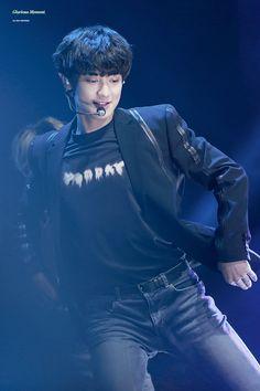 Baekhyun, Park Chanyeol Exo, Rapper, Ko Ko Bop, Exo Concert, Kool Kids, Korean Bands, Exo Members, Chanbaek