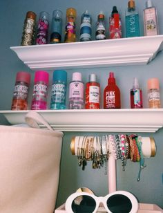 55 Lovely Dorm Room Organization Ideas - Welcome My Decor Cute Room Ideas, Cute Room Decor, Girls Bedroom, Bedroom Decor, Bedroom Ideas, Bedroom Small, Dorm Room Organization, Makeup Organization, Make Up Organization Ideas