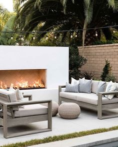 Outdoor Fireplace Designs, Backyard Fireplace, Modern Outdoor Fireplace, Modern Outdoor Living, Outdoor Fireplaces, Outdoor Living Patios, Outdoor Areas, Outdoor Spaces, Outdoor Decor