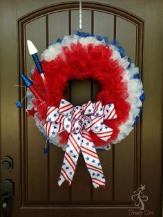 Patriotic Wreath made with glitter tulle. Supplies There will be a limited number of kits available (now sold out), but as these sell out the tutorial can Christmas Mesh Wreaths, Deco Mesh Wreaths, Door Wreaths, Winter Wreaths, Floral Wreaths, Spring Wreaths, Summer Wreath, Patriotic Wreath, Patriotic Decorations