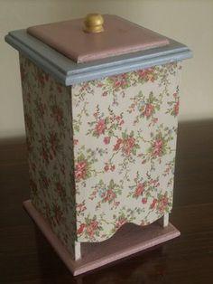 CAJAS DECORADAS. Diy Tea Bags, Tea Box, Altered Boxes, Bird Houses, Crates, Diy And Crafts, Decorative Boxes, Shabby, Handmade