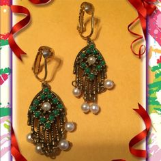 Sarah coventry Jewelry - Vintage Sarah Coventry earrings