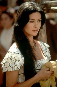Catherine Zeta Jones in EL ZORRO