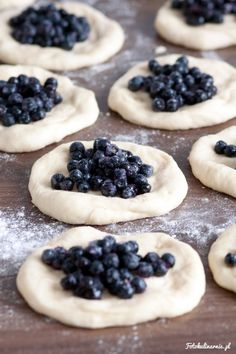 The best recipe for bilberry Buns - tasty and full of bilberries. Bread Recipes, Cake Recipes, Dessert Recipes, Desserts, Good Food, Yummy Food, Danishes, Polish Recipes, Polish Food