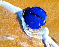 Fashionable & Durable! Seabag is resistant to salinity and high pressures up to 15ft underwater. #ZipnDip at the #Beach