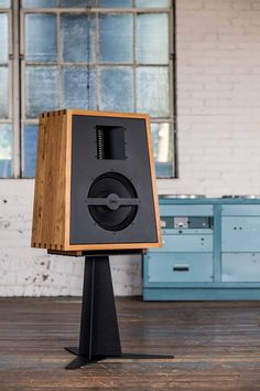 The newest OMA speaker is The Monitor, designed to be the finest, most accurate two way mid field monitor speaker possible. The design is inspired by historical studio monitors, used by producers, engineers and musicians to create music.